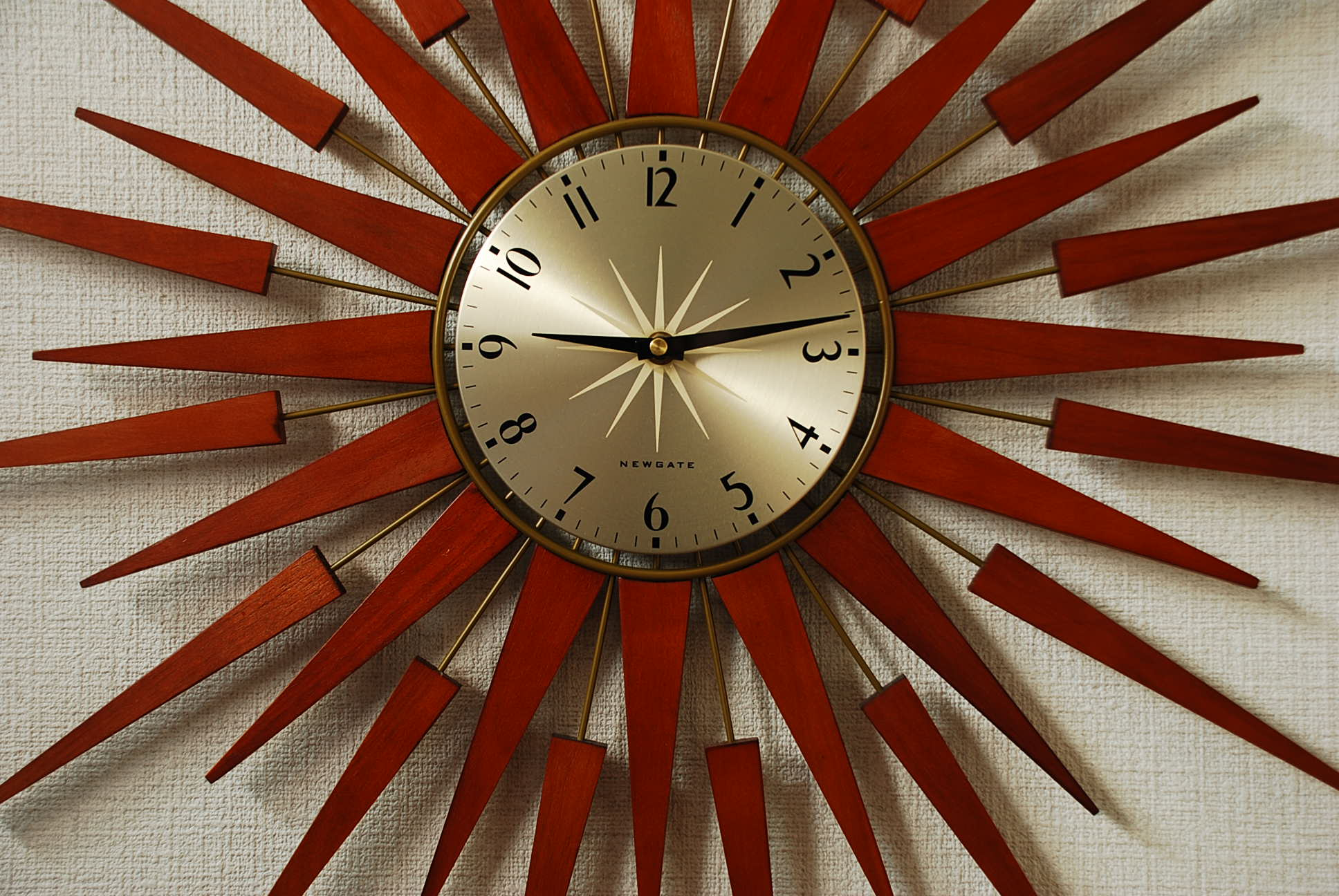 PLUTOG–b壁掛け時計
