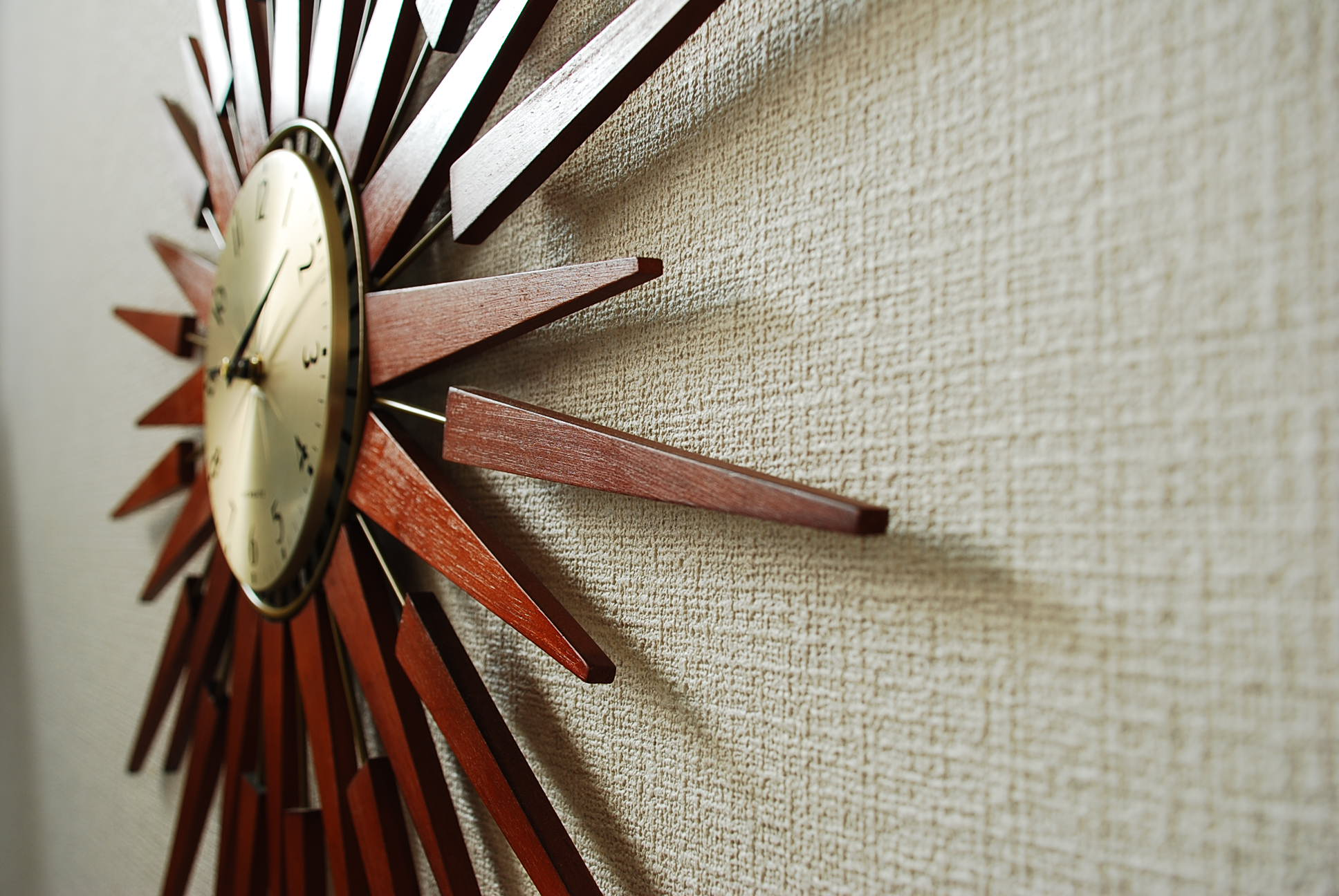 PLUTOG–g壁掛け時計