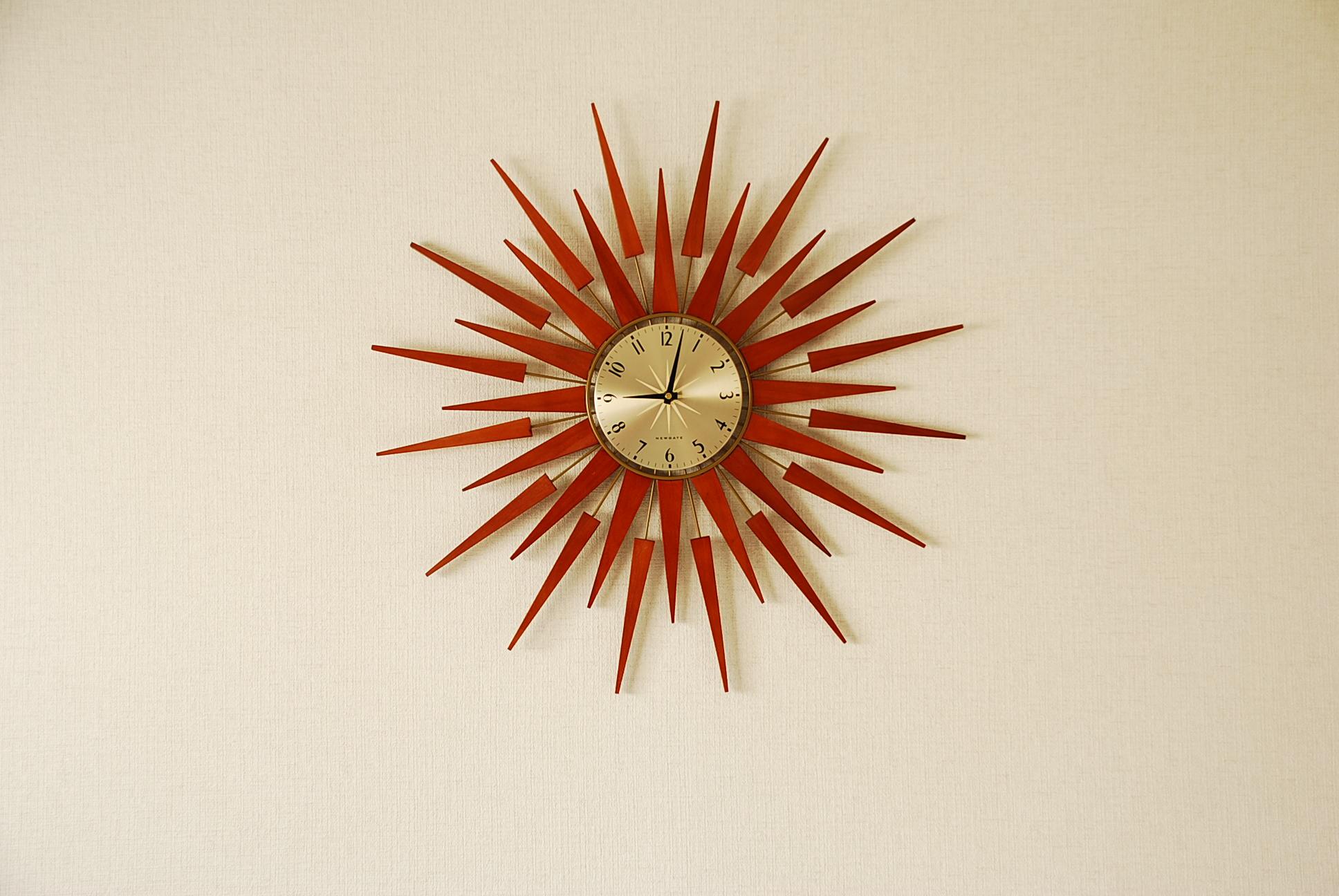 PLUTOG壁掛け時計
